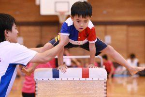 体操は専門の先生がつきます